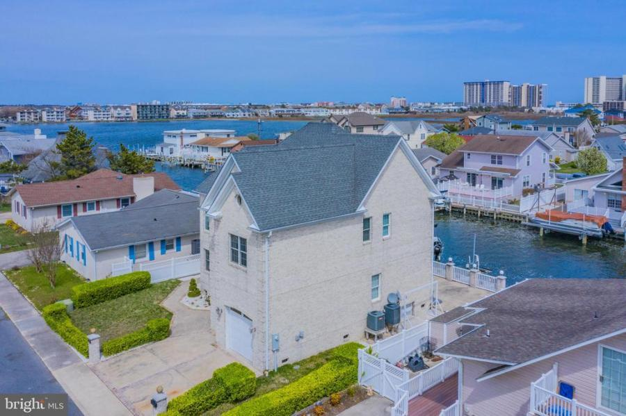 Montego Bay Realty | 10614 POINT LOOKOUT RD